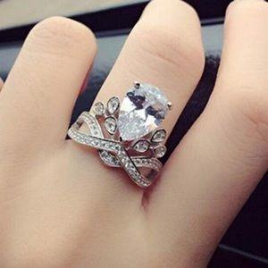 UNIQUE .925 Crown Design .Pear Shape CZ Ring